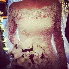 Perfect top to my wedding dress, the lace and the long sleeves are life