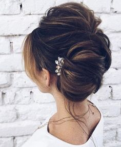 Featured Hairstyle: tonyastylist (Tonya Pushkareva) instagram.com/tonyastylist; Wedding hairstyle idea, click to see more details