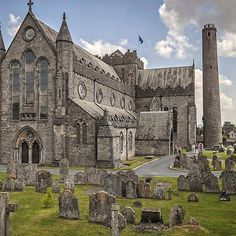 St Canice's Cathedral and Round Tower, Kilkenny, Ireland