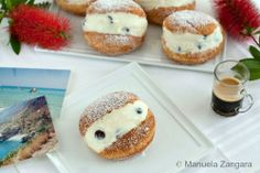 RICOTTA FILLED GRAFFE-Graffe in Trapani are like doughnuts, fried and then filled with the same sweet ricotta filling used for Cannoli, Sfinciuni di San Giuseppe, Pesche Dolci, Cassata and many other Sicilian sweets. http://www.manusmenu.com/ricotta-filled-graffe