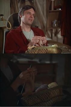 Hawkeye knitting (M*A*S*H)