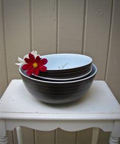 Vintage Pyrex Terra Black Striped Bowls, Set of Three, by RushCreekVintage on Etsy Vintage Farmhouse, Vintage Kitchen, Pyrex Mixing Bowls, Brown Line, Glass Kitchen, Vintage Pyrex, Kitchen Colors, Milk Glass