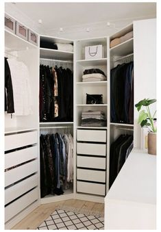 Best Wardrobe Designs, Closet Designs, Wardrobe Ideas, Apartment Bedroom Decor, Ikea Bedroom, Bedroom Shelves, Bedroom Small, Trendy Bedroom, Bedroom Ideas