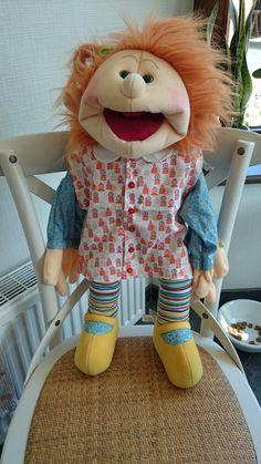 Kleding voor Living Puppet, wil je iets bestellen of heb je een vraag? Mail naar sarahsatelier@gmail.com!
