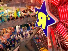Toys R US bankruptcy to have big impact on holiday sales, Hasbro says - Business Insider Kids Store, Toy Store, Times Square Attractions, Circus Aesthetic, Precious Moments Quotes, Toys R Us, Retro Toys, Holiday Sales, Educational Toys