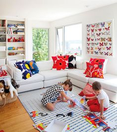 13 Kid-Friendly Living Room Ideas to Manage the Chaos | Living room ...