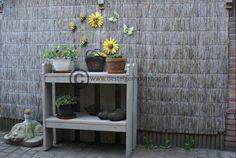 Steigerhout plantentafel, leuk om het seizoen op weer te geven.