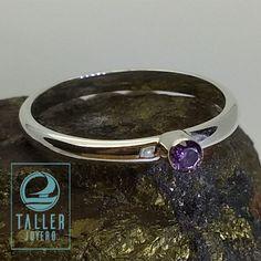 Anillo media caña con circón A0-701 #accesoriosdemujer - Taller Joyero confección y diseño de joyas, Joyería online.