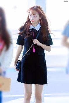 180904 ICN 출국 #채원 #izone Yuri, Japanese Girl Group, Kim Min, Kpop Outfits, Sweet Girls, Kpop Girl Groups, Korean Girl, My Girl, To My Daughter