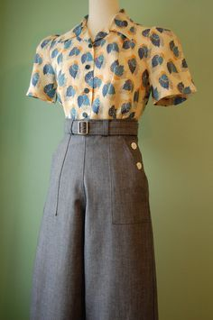 Vintage Fashion Items similar to vintage style side buttoned denim pants with belt custom made on Etsy - Moda Vintage, Vintage Mode, Vintage Style, 1940s Style, Retro Style, 40s Outfits, Cute Outfits, Fashion Outfits, Fashion Tips