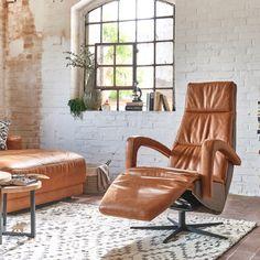 Was braucht es mehr als Bücher, Zeit und einen langen Abend ...?   Den passenden Platz für die Lektüre!  Ein richtig guter Sessel ist praktisch, bequem, bezaubernd und man möchte niemals aufstehen ,) Floor Chair, Recliner, Accent Chairs, Flooring, Design, Home Decor, Style, Nature, Room Interior Design