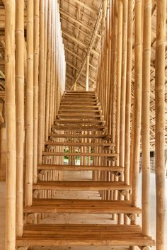 Chiangmai Life Architects and Construction modelled the segmented and undulating roof of this bamboo sports hall at a school in Chiang Mai in Thailand on the petals of a lotus flower. Bamboo Building, Natural Building, Bamboo Art, Bamboo Crafts, Bamboo Architecture, Sustainable Architecture, Bamboo House Design, Bali, Thailand
