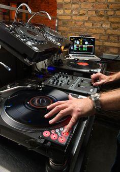 Novation Dicer Digitial DJ in Action  check out hip hop beats @ http://kidDyno.com
