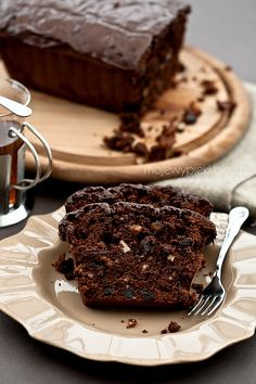 Chocolate fruit cake with dried plums and walnuts Chocolate Fruit Cake, Chocolate Delight, Chocolate Recipes, Tray Bake Recipes, Plum Cake, Loaf Cake, Sweet Bread, Tray Bakes, Sweet Recipes