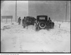 Was browsing the Toronto Archives and put together a collection of vintage Toronto winter photographs from ca. 1890 - 1950 of past snowfalls in Toronto. Toronto Winter, Historical Photos, Montreal, Ontario, Vintage Photos, The Past, Old Things, Canada, Plait