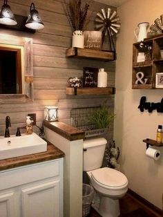 Remodel your home bathroom with modern, luxurious or rustic bathroom design ideas. Modern Farmhouse Bathroom, Country Farmhouse Decor, Farmhouse Style, Country Bathrooms, Country Bathroom Decorations, Small Rustic Bathrooms, Modern Bathrooms, Farmhouse Ideas, Country Kitchen