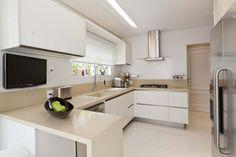 bancada de cozinha em U clara