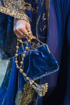 Midsummer Night colours in gauzy fabrics and velvet. Elie Saab at Couture Fall 2017 - Details Runway Photos Couture Mode, Couture Fashion, Runway Fashion, Couture Style, Blue Fashion, Look Fashion, Autumn Fashion, High Fashion, Couture Details