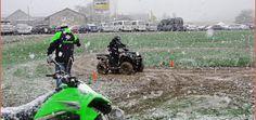 Kawasaki: Testfahren bei Regen und Schnee Die aktuellen Kawasaki-Fahrzeuge präsentierte AD. Bachmann am 22. und 23. März 2014 bei der Auto Welt von Rotz AG in Wil mit einem Parcours zum Testfahren. Nur das Wetter passte nicht: Regen und Schnee mussten die Test-Piloten trotzen http://www.atv-quad-magazin.com/aktuell/kawasaki-testfahren-bei-regen-und-schnee/