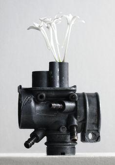 ikebana201509:: Neofinetia falcata +a machine part(富貴欄+機械部品)‐2