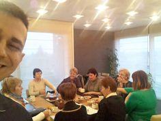DXN kávézás alatt - selfie :)  Online hálózatépítésem naplója (blog) - Koncal Robert oldala