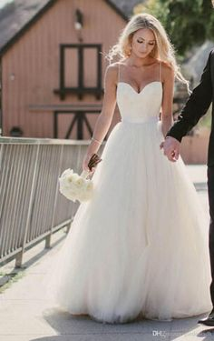 Wedding Dresses By Vera Wang Beach Wedding Dresses 2015 New Sweetheart With Lace Corset Bodice Spaghetti Straps Tulle Bridal Gowns Discount Sale Princess Country Bridal Top Wedding Dress Designers From Gardeniadh, $133.51| http://Dhgate.Com