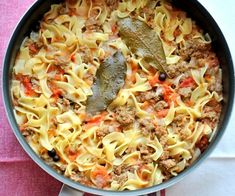 Χυλοπίτες με κιμά Macaroni And Cheese, Spaghetti, Meat, Chicken, Ethnic Recipes, Food, Mac And Cheese, Meals, Yemek