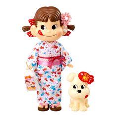 ■ペコちゃんとDogが夏祭りにお出かけ!ゆかたを着たペコちゃんとDogの楽しい人形セットです。  ■ペコちゃんは、涼しげな白い生地に金魚の模様が入ったかわい...