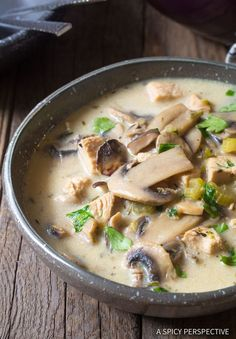 Low Carb Recipes Low Carb Chicken Mushroom Soup - Low Carb Creamy Chicken Mushroom Soup - A luxurious ketogenic chicken soup recipes with a rich silky mushroom broth, and hearty chunks of chicken and mushrooms. Healthy Recipes, Low Carb Recipes, Diet Recipes, Ketogenic Recipes, Cooking Recipes, Ketogenic Diet, Salad Recipes, Sausage Recipes, Mushroom Soup Recipes