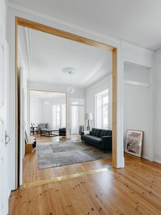 공간에 대한 형식적인 개념을 파괴한 모던한 디자인의 아파트 인테리어 :