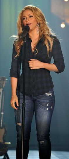 Shakira casual style