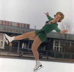 Sjoukje Dijkstra, march 1964. Ice Skating, Figure Skating, Dean, Holland, Skate, Champion, Celebrity, Running, Sports