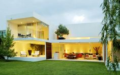 Casa JILE  Queretaro, Mexico - Really like how open this is.