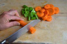 How to Freeze Raw Celery and Carrots Freezing Carrots, Freezing Vegetables, Raw Vegetables, Veggies, Cooked Carrots, Carrot And Celery Recipes, How To Freeze Celery, Food Hacks