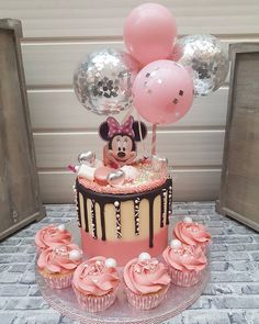 Minni Mouse Cake, Minnie Mouse Birthday Cakes, Baby Birthday Cakes, Birthday Parties, Birthday Bunting, Mickey Birthday, Princess Birthday, Mickey Mouse, 30th Birthday