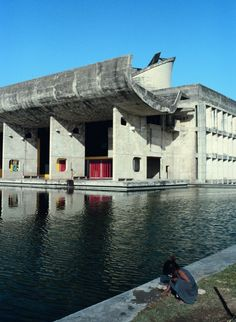 Le Corbusier, atelier and Pierre Jeanneret, Chandigarh, India, the Parliament Building. Image © William J R Curtis Pavilion Architecture, Sustainable Architecture, Residential Architecture, Contemporary Architecture, Art And Architecture, Le Corbusier, Gaudi, Architecture Organique, Building Art
