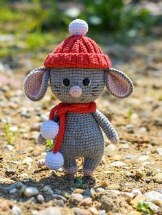 Crafts Free amigurumi mouse pattern Someone new to your life you will love it, you've . Crochet Gratis, Crochet Amigurumi, Amigurumi Doll, Crochet Dolls, Free Crochet, Crochet Mouse, Crochet Bear, Crochet Animals, Crochet Easter