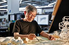 공유, 다양성. 어감은 딱딱하지만 개념은 말랑하고 유연한 단어들은 모두 건축가 유걸이 추구하는 철학이다. | Lexus i-Magazine Ver.5 앱 다운로드 ▶ www.lexus.co.kr/magazine #Lexus #Magazine #instudio #architect