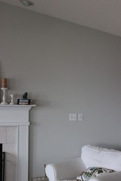 similar to our new wall colour - dulux dusted moss 2 Dulux Paint Colours, Paint Colors For Home, Wall Colors, House Colors, Formal Living Rooms, Living Room Grey, Living Room Decor, Viria, Gray Owl Paint