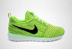If the last two Nike Flyknit Roshe Run installments didn't hit the mark for you, try this stepped up colorway!