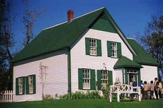 Anne of Green Gables house on Prince Edwards Island Nova Scotia Anne Of Windy Poplars, Gable House, White Siding, Anne Shirley, Prince Edward Island, Anne Of Green Gables, Nova Scotia, Beautiful Homes, Nature