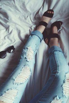 Jeansy z dziurami Pieces, poszarpane spodnie