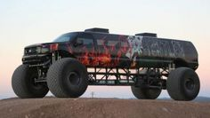 Big Toyz Racing Motors' latest creation, the Sin City Hustler, combines a Ford Excursion limo with a monster truck, for a seven-figure price tag. Lifted Ford Trucks, Custom Trucks, Cool Trucks, Pickup Trucks, Best Trucks, Chevy Diesel Trucks, Powerstroke Diesel, Ford Excursion, Limo Ride