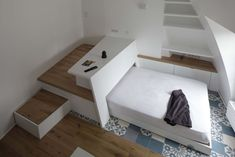 Marie Surface: 27 m² In this very small apartment rented furnished .