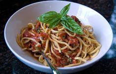 """Maccheroni alla Chitarra al Pomodoro Piccante // """"Guitar Pasta"""" with Spicy Tomato Sauce // Rustico Cooking - Abruzzo // Pasta for Saint John of Capistano Feast Day"""