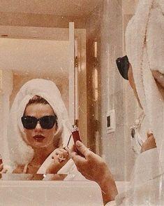 Chernyak - Neue Ideen- Best Picture For aesthetic wallpaper vintage For Your Taste Y Classy Aesthetic, Bad Girl Aesthetic, Aesthetic Collage, Aesthetic Vintage, Aesthetic Photo, Pink Aesthetic, Aesthetic Pictures, Aesthetic Fashion, Photo Wall Collage