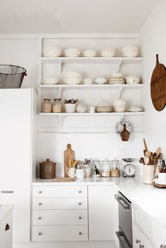 I've definitely got a thing for simple white kitchen shelving! :)