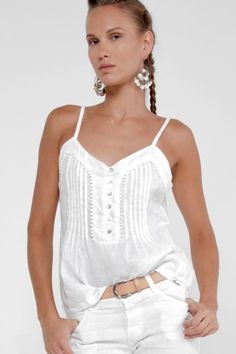 Sip wine on a grand seaside balcony under a crystal clear sky. Live all your previous parties and outings in this super soft linen tank. Its fashionable pe Retro Fashion, Trendy Fashion, Fashion Outfits, Style Fashion, White Dress Summer, White Shop, Summer Dresses For Women, Online Shopping Clothes, Coats For Women