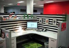 Cute Cubicle Decor – Black and White cubicle style – WorkOffice