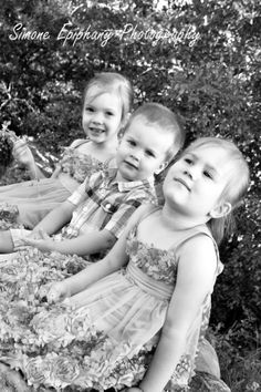 Sibling Portraits by Simone Epiphany Photography in Austin Texas